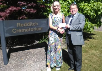 Crematorium donation helps bereaved youngsters